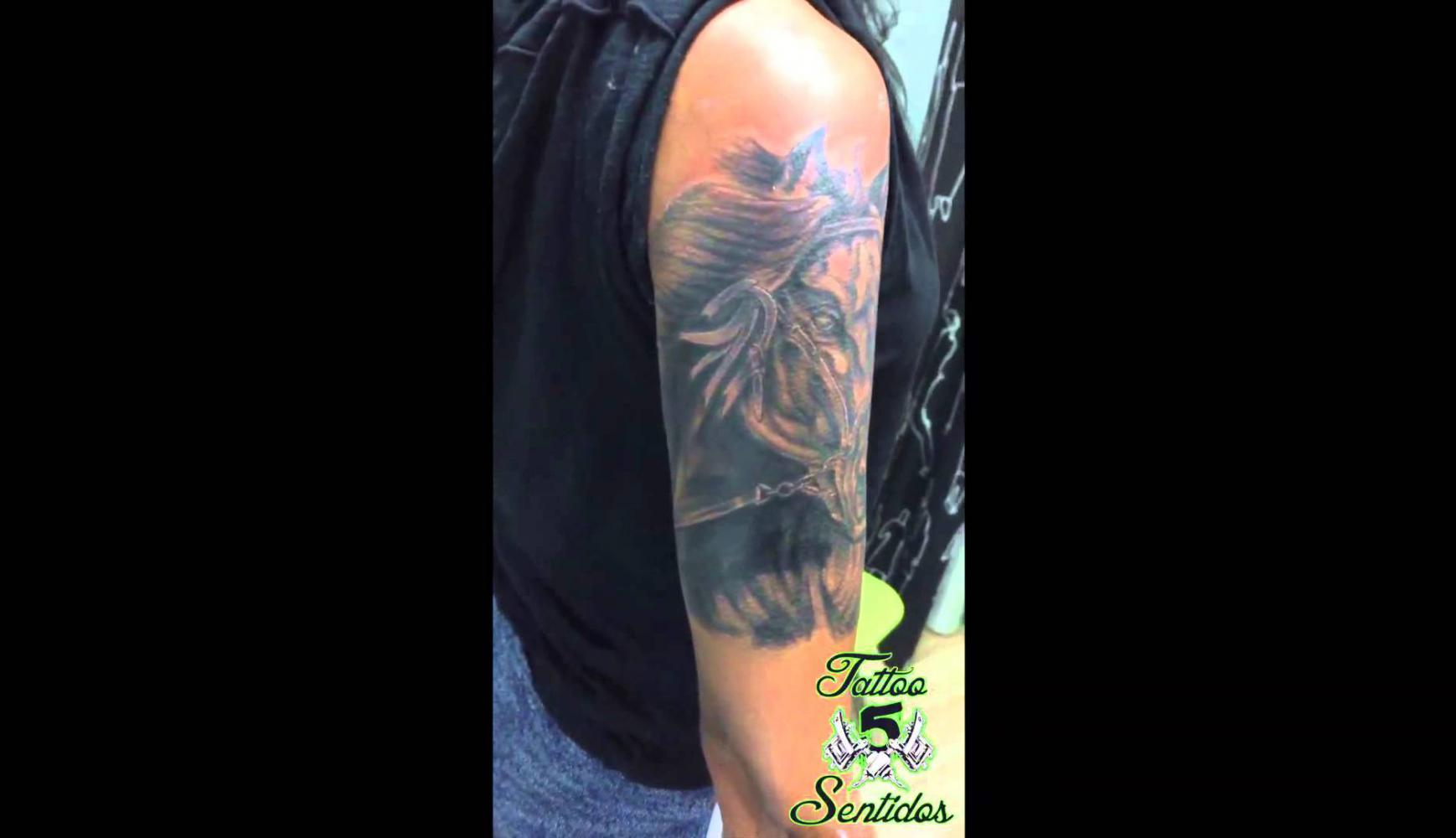 Embedded thumbnail for TATTOO CABALLO - LOS 5 SENTIDOS TATTOO BENIDORM