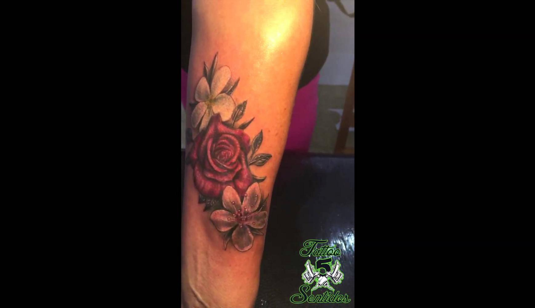 Embedded thumbnail for TATTOO FLORES - LOS 5 SENTIDOS TATTOO BENIDORM