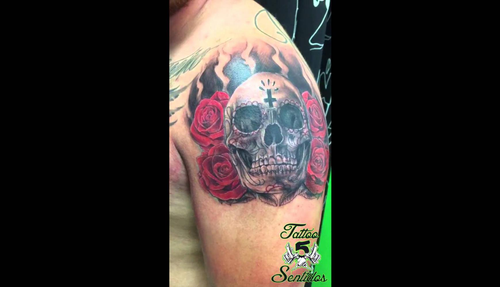 Embedded thumbnail for TATTOO CALAVERA ROSAS - LOS 5 SENTIDOS TATTOO BENIDORM