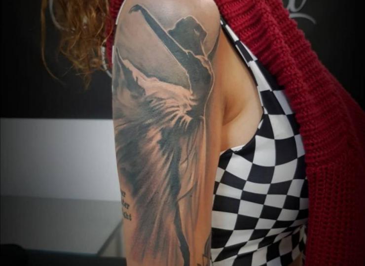 tattoo realismo bailarina
